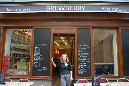 La fondatrice du bar à bière le Brewberry